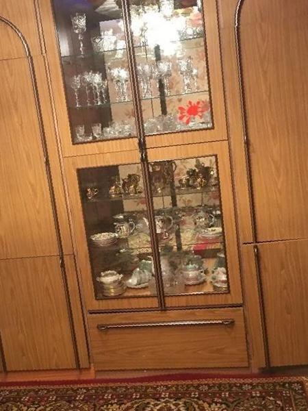 Купить в алатыре: шкаф-сервант , цена 6600 рублей - объявлен.