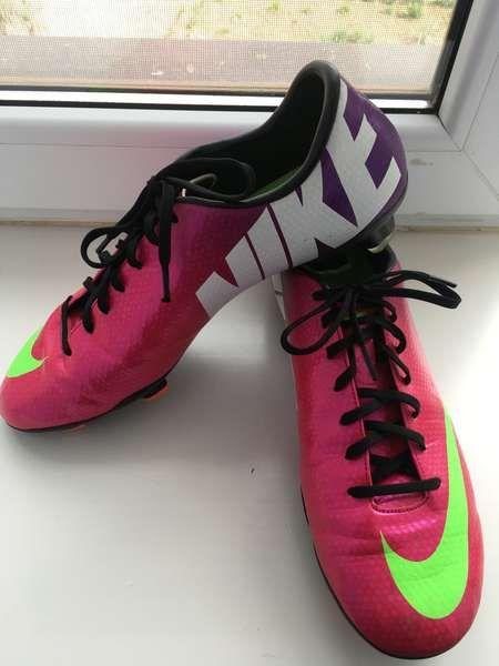 Купить в Симферополе  Продаю бутсы Nike Mercurial  35cb4b18e6209