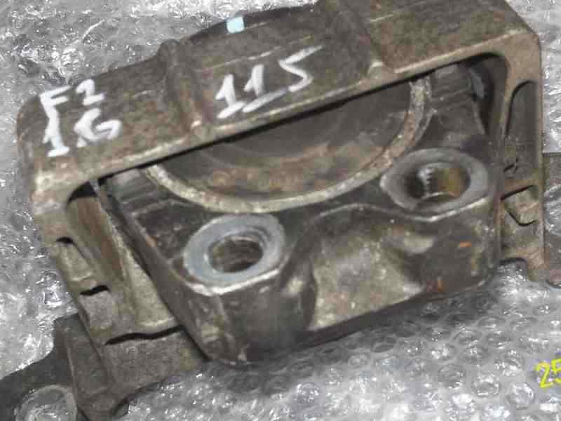 На форд двигателя фокус2 подушка