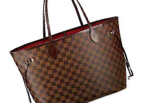 Как выбрать сумку, которая выглядит стильно и дорого: пять