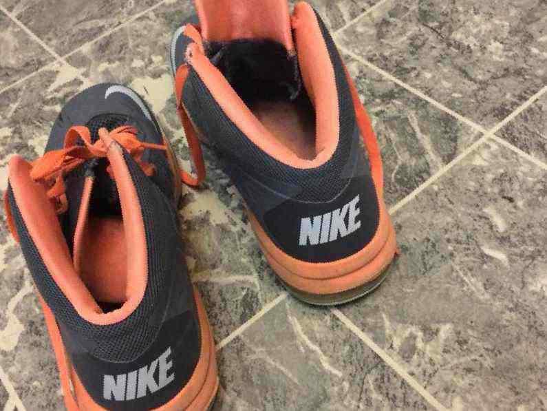 2949b086 Купить в Иркутске: Nike Air Max Body U, б/у , цена 1500 рублей ...