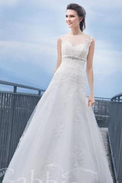 2e2aca34c84 Купить в Буденновске  Элегантное свадебное платье