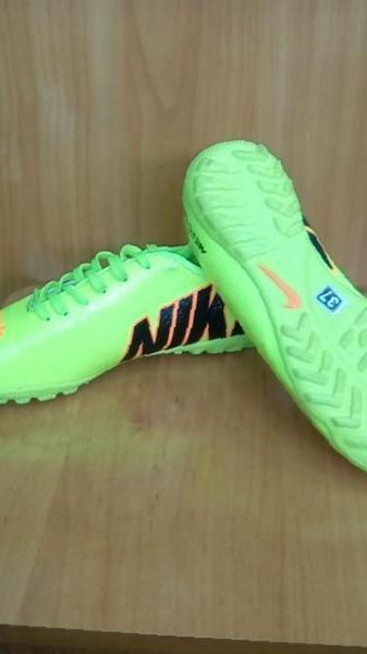 bf6e1e9d Купить в Хасанье: Грунтовки сороконожки куцы бутсы Nike новые , цена ...