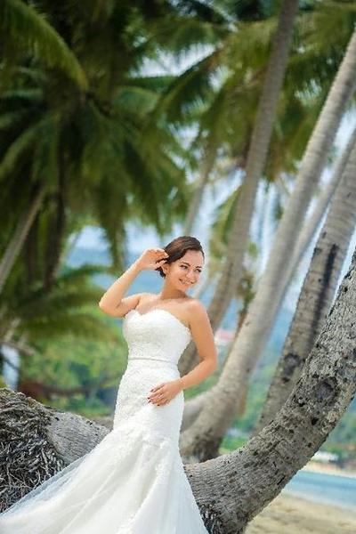8352c4e0e3c Купить в Владикавказе  Шикарное свадебное платье