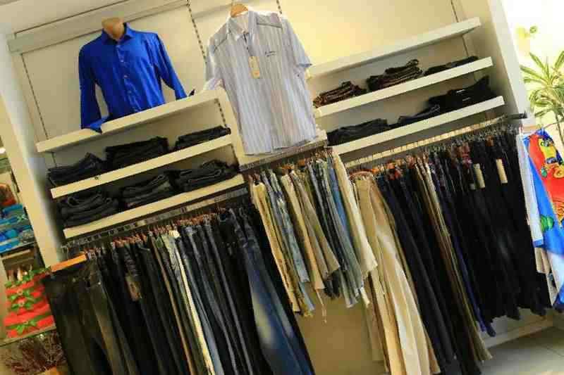 b66ad1a13db Купить в Евпатории  Торговое оборудование для магазина одежды ...